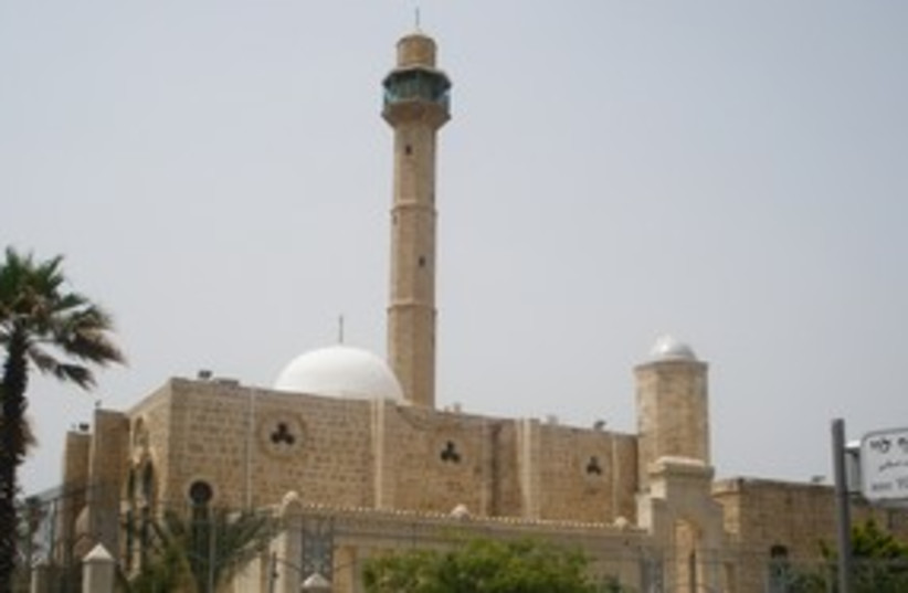 Hassan Bek mosque Tel Aviv (photo credit: Yaakov Lappin)