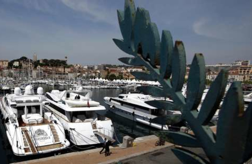 Cannes yachts 521 (photo credit: REUTERS/Eric Gaillard)