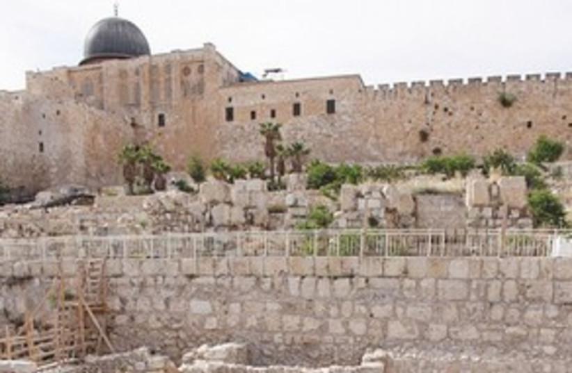 Temple Mount Excavation 311 (photo credit: Marc Israel Sellem/The Jerusalem Post)