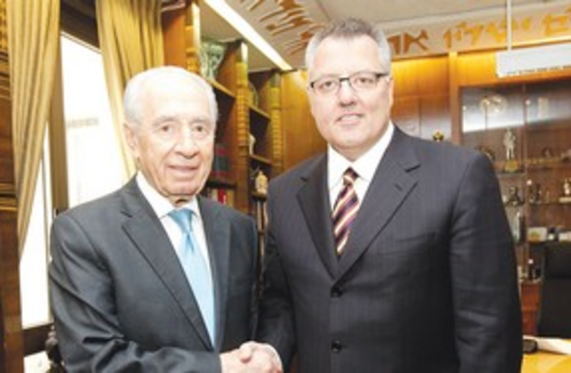 Peres with Greg Brown_311 (photo credit: Courtesy)