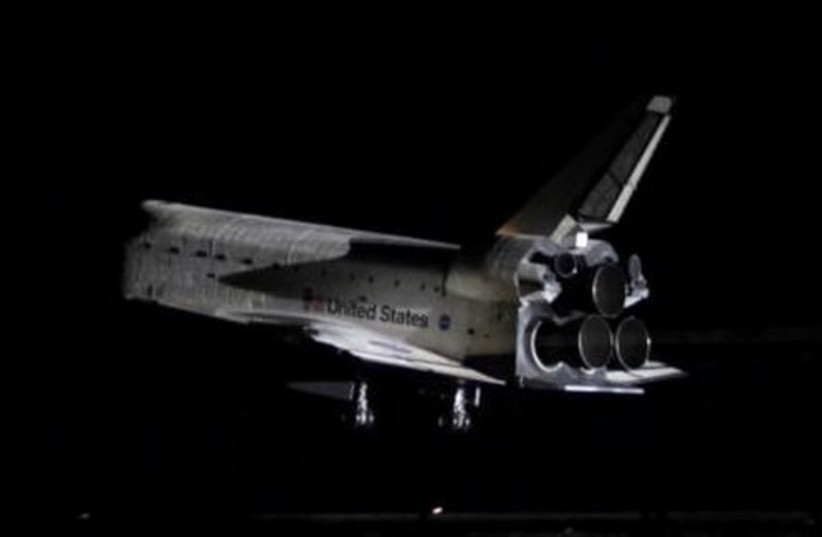 Space shuttle Endeavour lands in Florida, Weds.