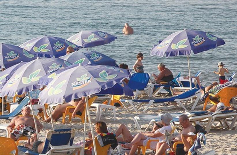 Tel Aviv beach_521 (photo credit: Marc Israel Sellem)