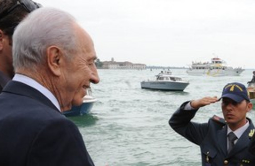 President Shimon Peres in Venice 311 (photo credit: Moshe Milner / GPO)