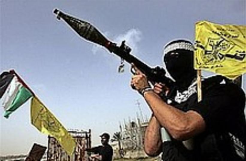gaza gunmen 224.88 (photo credit: AP)