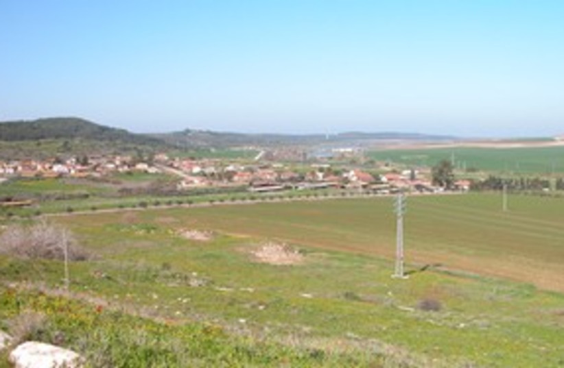 Beit Shemesh view west of Sorek Valley 311 (photo credit: BiblePlaces.com)