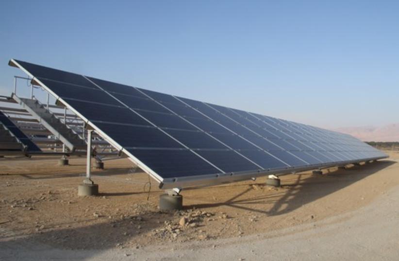 Arava solar field gallery 3 (photo credit: Tovah Lazaroff)