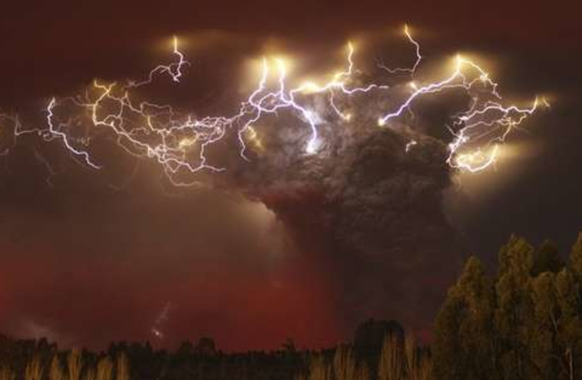 Chile lightning and volcano ash 521 (photo credit: REUTERS)