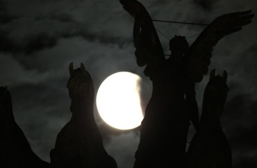 The eclipse seen from Rome