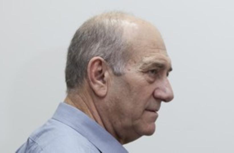 Olmert at trial (photo credit: Dudi Vaknin)