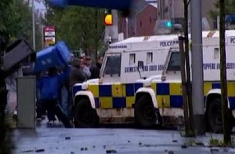Belfast violence 311 R (photo credit: REUTERS)