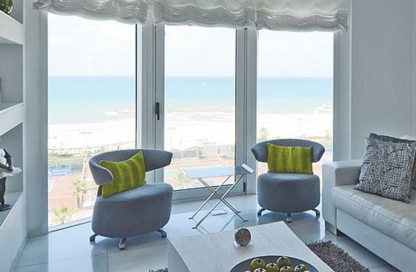 Herzliya beach house 521 (photo credit: Uriel Messa)