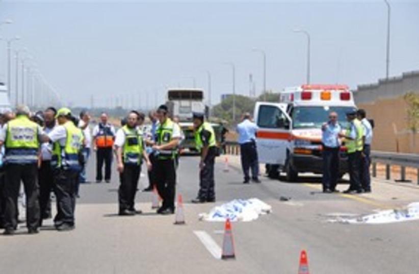 Hit-and-run accident ambulence_311 (photo credit: Uzi Barak )