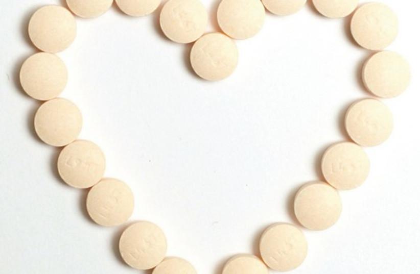 Asprin heart 521 (photo credit: MCT)