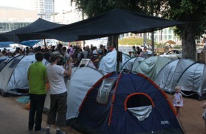 Tel Aviv housing prices tent protest 58 (photo credit: Ben Hartman)