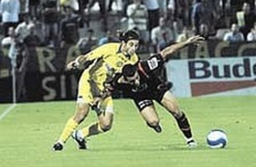 Maccabi TA soccer 248.88 (photo credit: Asaf Kliger)