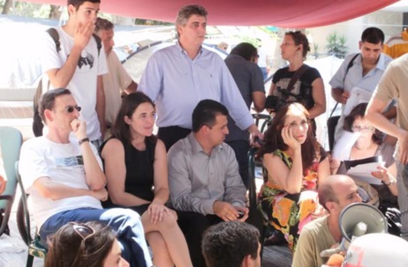 MKs visit tent city