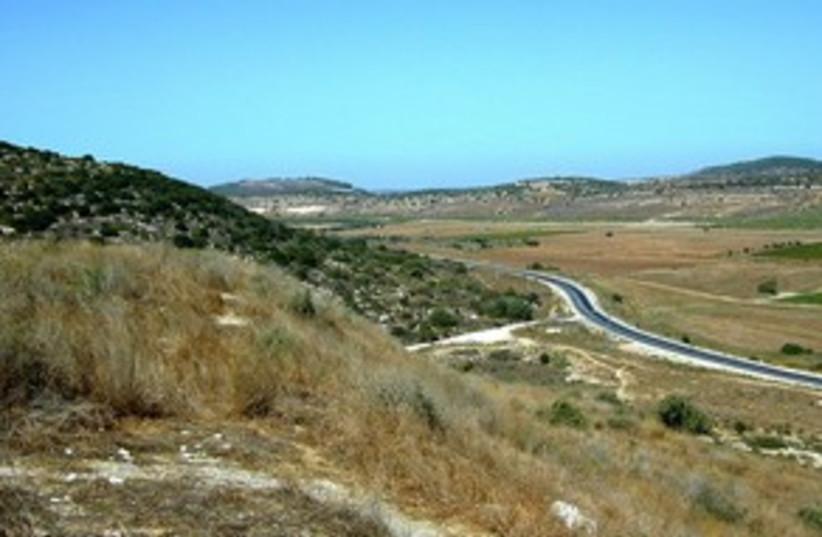 Elah Valley 311 (photo credit: BiblePlaces.com)