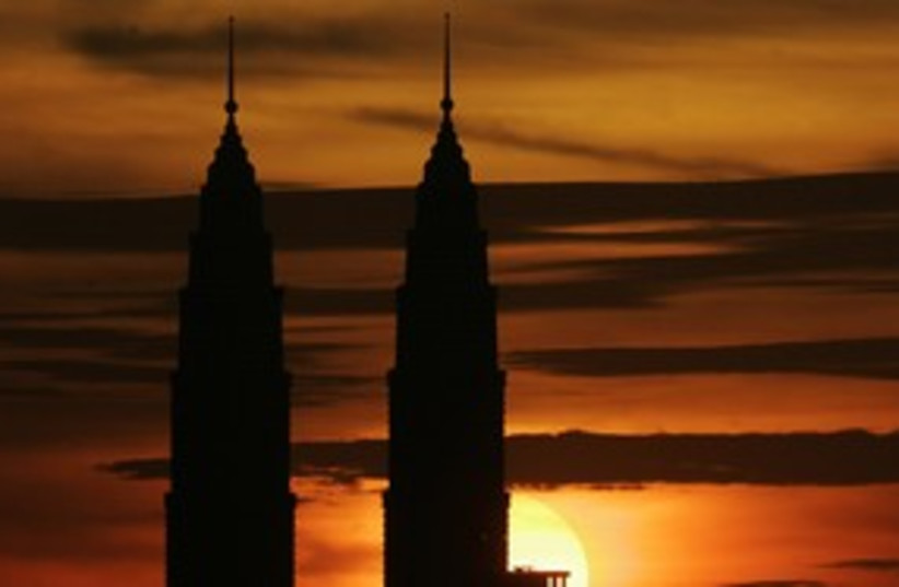 Petronas Towers 311R (photo credit: REUTERS)