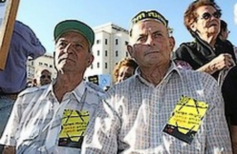holocaust survivors 248 88 aj (photo credit: Ariel Jerozolimski [file])