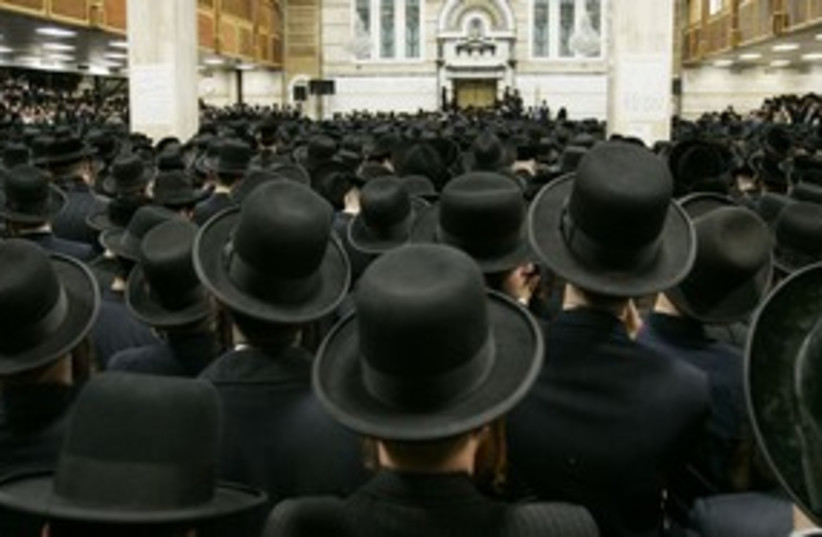 Orthodox Jews synagogue_311 (photo credit: Reuters)