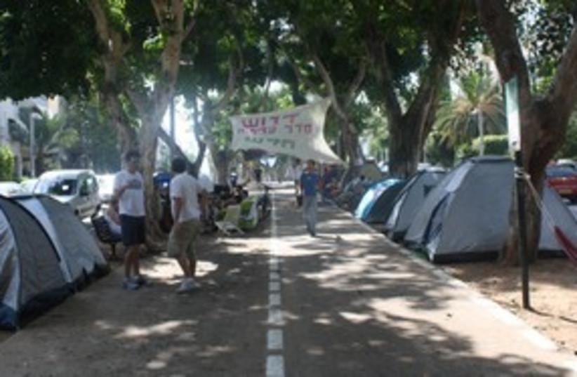 North Tel Aviv tent protest 311 (photo credit: Ben Hartman)