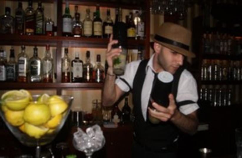 Barman Daniel Weinstein (photo credit: Yoni Cohen)