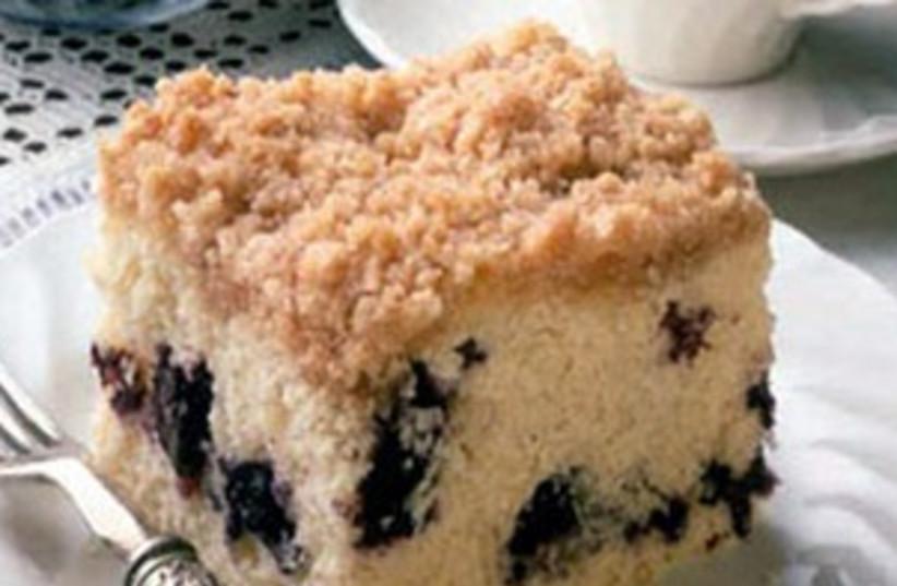 Blueberry-peach crumb cake (photo credit: Ben Fink)