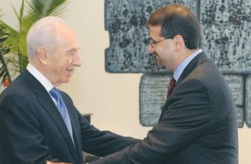 Peres with US Ambassador Daniel B. Shapiro 311  (photo credit: Mark Neiman/GPO)