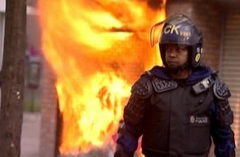 UK Riots 311 (photo credit: REUTERS)