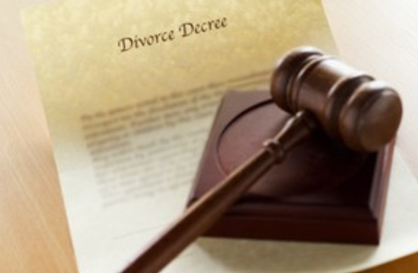 Divorce gavel court get 311 (photo credit: Thinkstock/Imagebank)