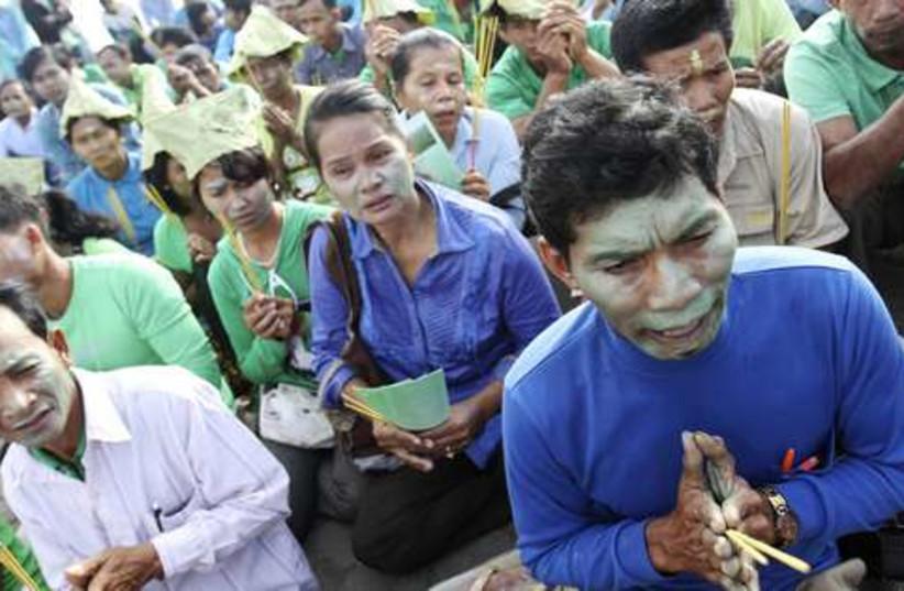 Cambodia protests 521 (photo credit: REUTERS/Pring Samrang)