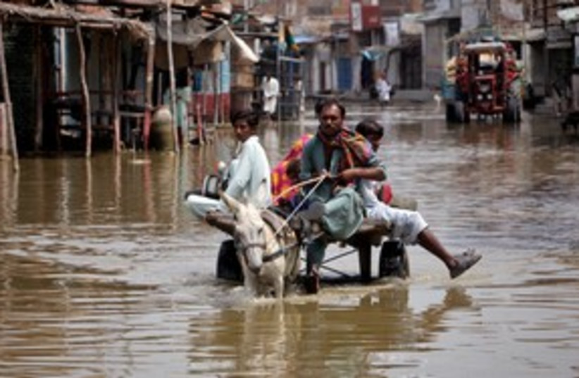 Monsoon flooding in Pakistan's Sindh province 311 (R) (photo credit: REUTERS/Akhtar Soomro)