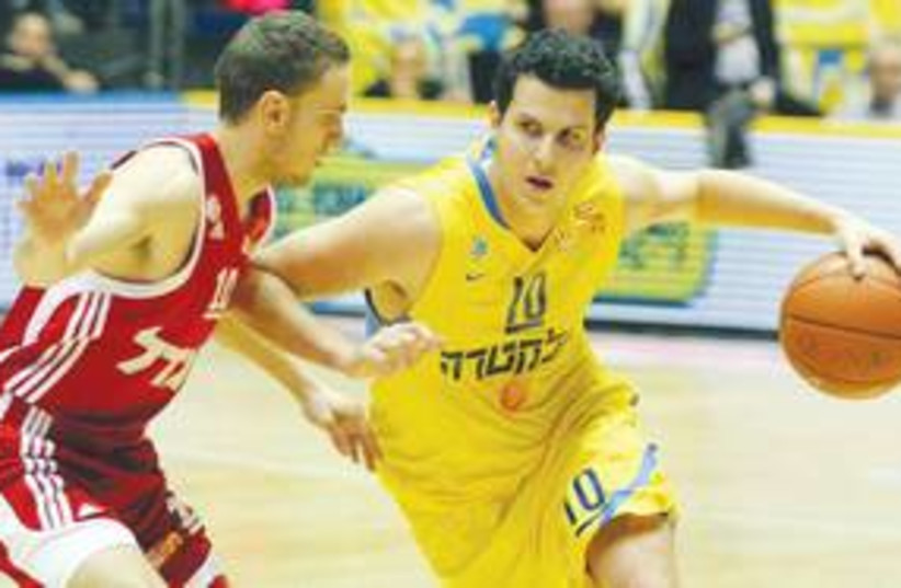 MACCABI TEL AVIV'S Guy Pnini 311 (photo credit: Adi Avishai)