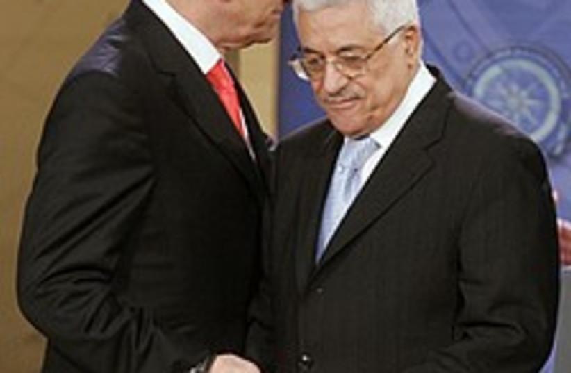 olmert abbas whisper 224 (photo credit: AP)