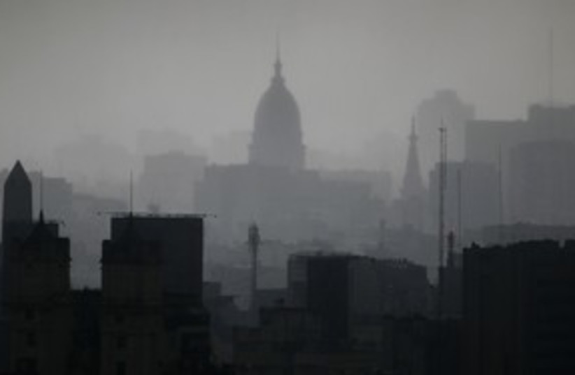 The Buenos Aires skyline Argentina 311 (R) (photo credit: Enrique Marcarian / Reuters)