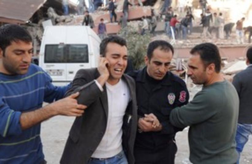 Turkey Quake 311 (photo credit: REUTERS)