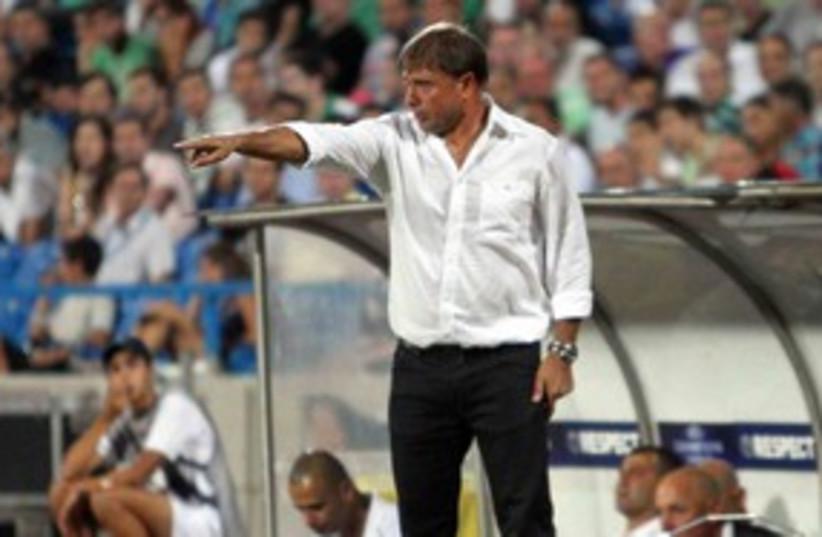 Maccabi Haifa coach Elisha Levy 311 (photo credit: Asaf Kliger)