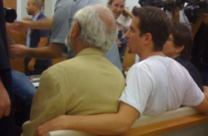 Tal Mor with his father Itzik in court 311 (photo credit: JOANNA PARASZCZUK)