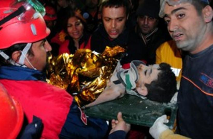 Turkey rescue effort 311 (photo credit: REUTERS)