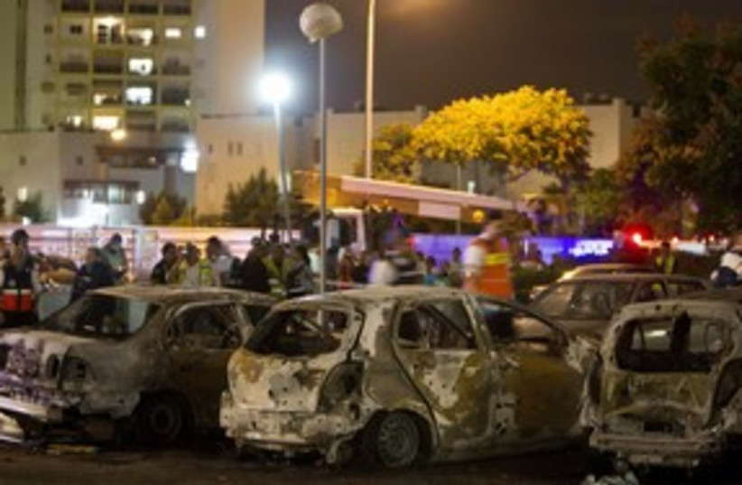 AShkelon Gaza rockets cars 311 R (photo credit: REUTERS/ Nir Elias )
