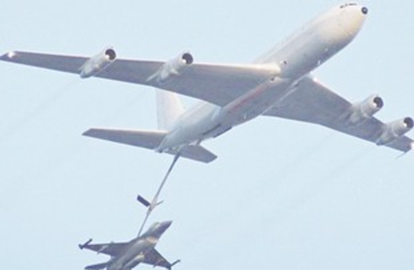 IDF mission to bomb Iran would likely re-fuel mid-air (photo credit: Courtesy IDF)