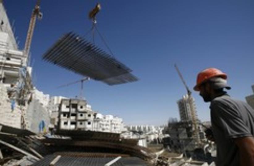 Settlement construction 260 R (photo credit: REUTERS/Baz Ratner )