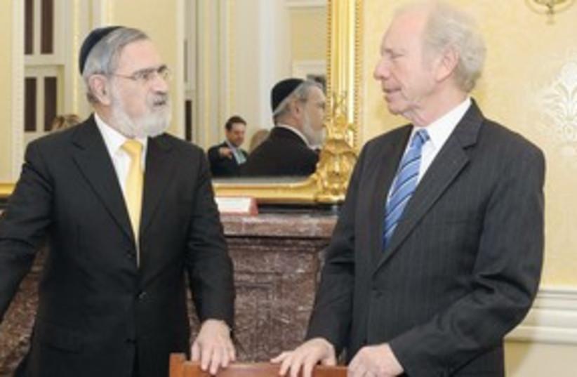 Rabbi Jonathan Sacks with US Senator Joe Lieberman (photo credit: Courtesy Office of Chief Rabbi Jonathan Sacks)