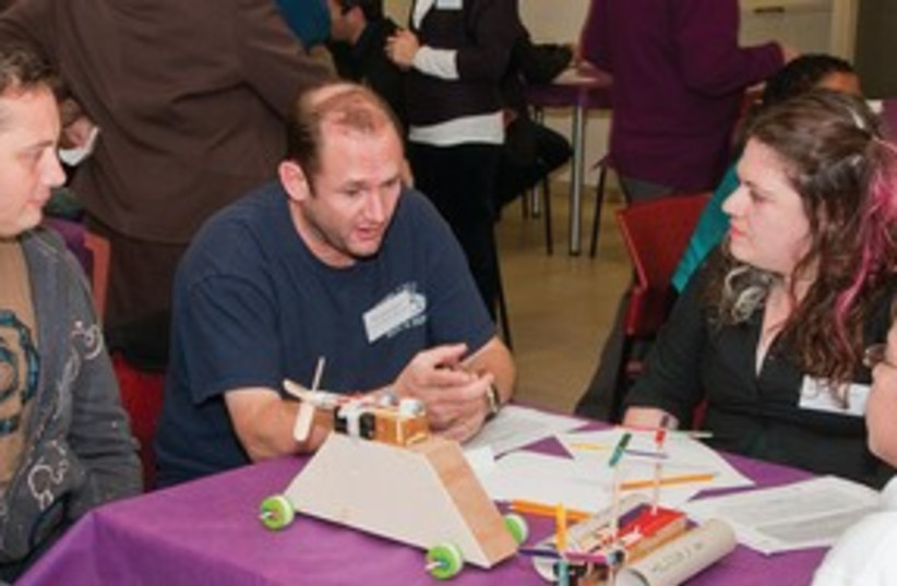 Toy inventors meet with students  (photo credit: D. Guthrie)