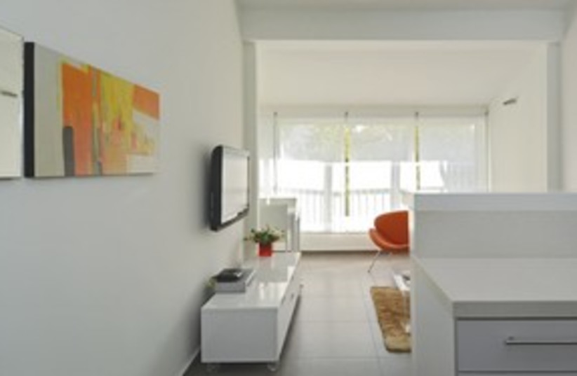 Modern Living room apartment 311 (photo credit: Uriel Messa)