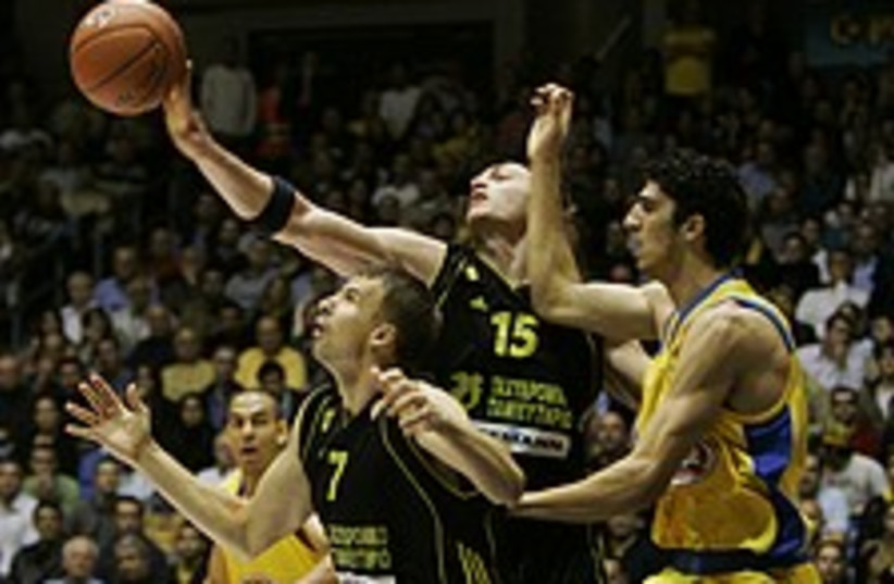 Maccabi 224.88 (photo credit: AP)