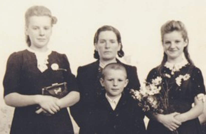 THE RUZGYS family 311 (photo credit: (The Jewish Foundation for the Righteous)