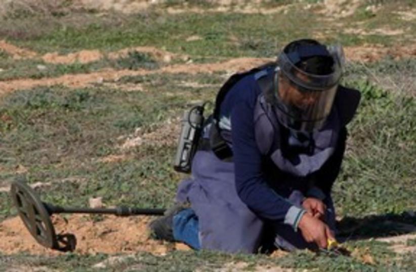 Landmine Libya 311 (photo credit: REUTERS)