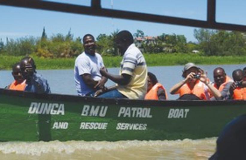 Water contamination experts at Lake Victoria, Kenya_311 (photo credit: Ann Marie Ran)