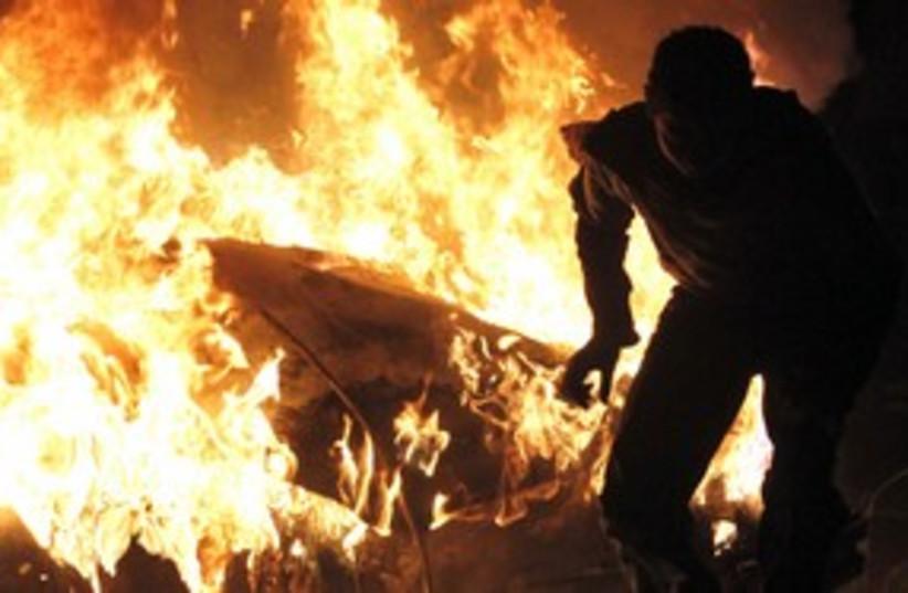 Cairo burns_311 (photo credit: Reuters)